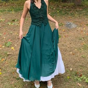 Vintage Emerald Green Lace Evening Gown
